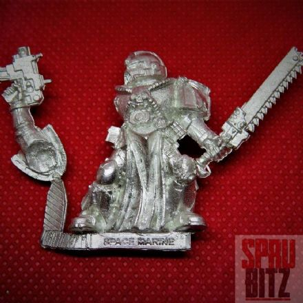 Space Marine Veteran with Chainsword (metal)